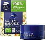 NIVEA Natural Balance regenerierende Nachtpflege (50 ml), Feuchtigkeitsscreme mit Bio Arganöl,...