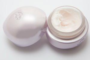 Diese Pflege kann bei empfindlicher Haut helfen.