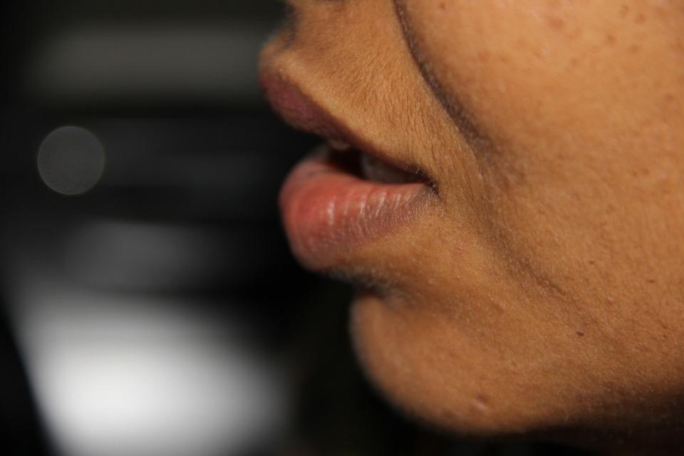 Lippenfalten Serum